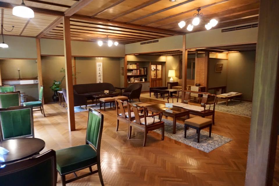 Sitting area at Nishimuraya Honkan.