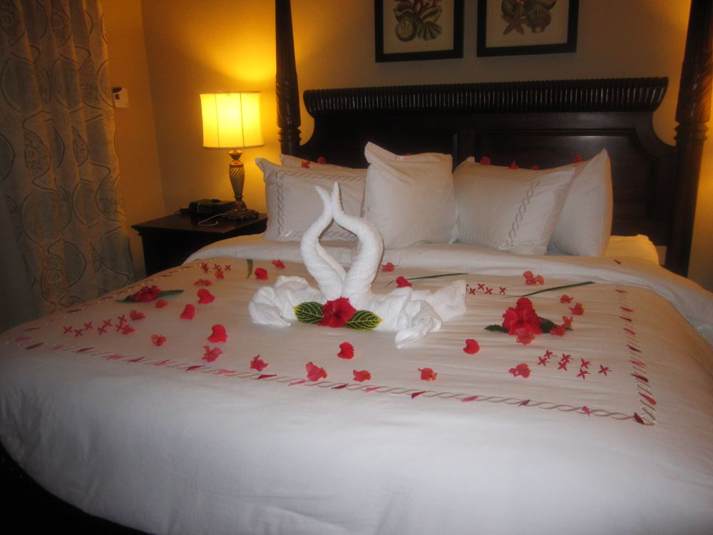 Sandals Ochi Beach Club honeymoon suite bed