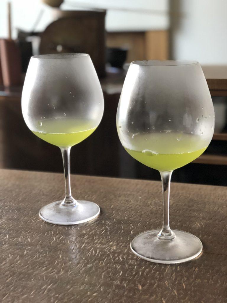 Cold green tea in large wine glasses at YOROZU - Fukuoka