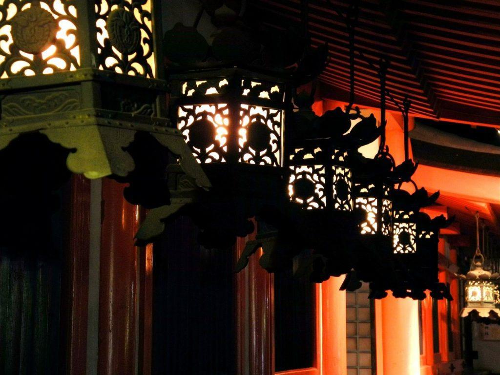 kasugataisha shrine lanterns at night