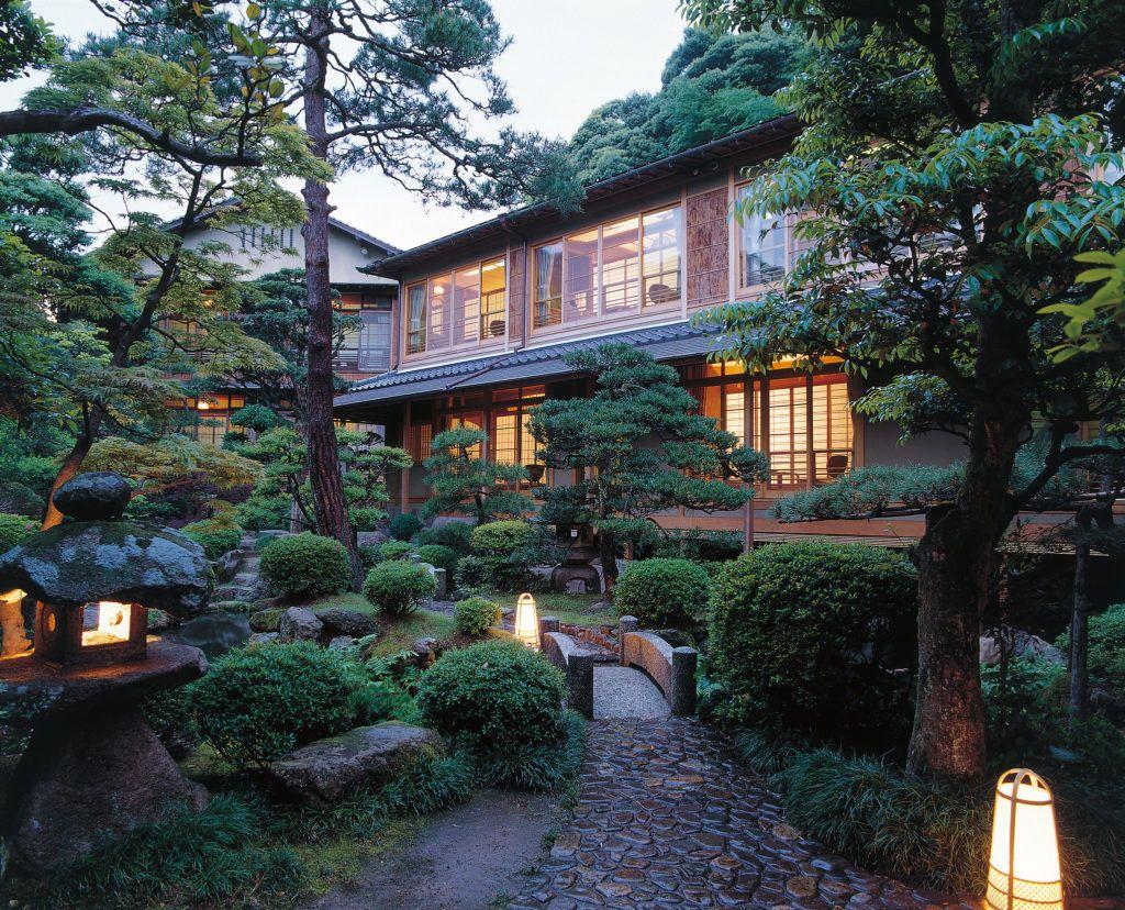 Exterior of Nishimuraya Honkan in Kinosaki Onsen