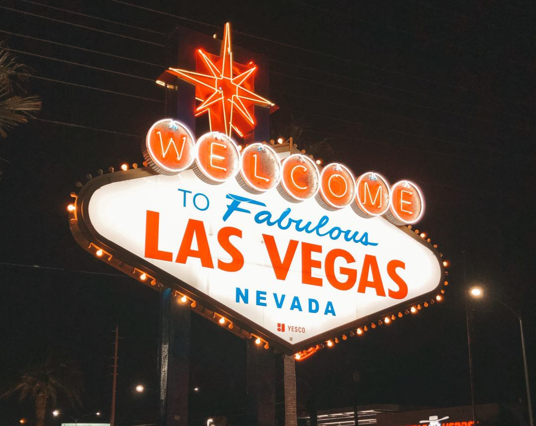 Fabulous Las Vegas neon sign - girls trip to Vegas