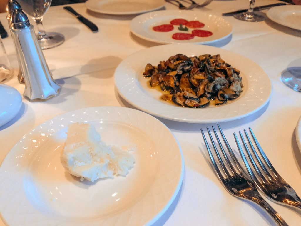 Complimentary small plates at Il Mulino New York in Las Vegas